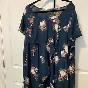 Torrid Size 3 Blue Floral Hi Lo Blouse